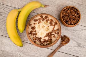 Banana Smoothie Bowl mad with V8 Vanilla Protein